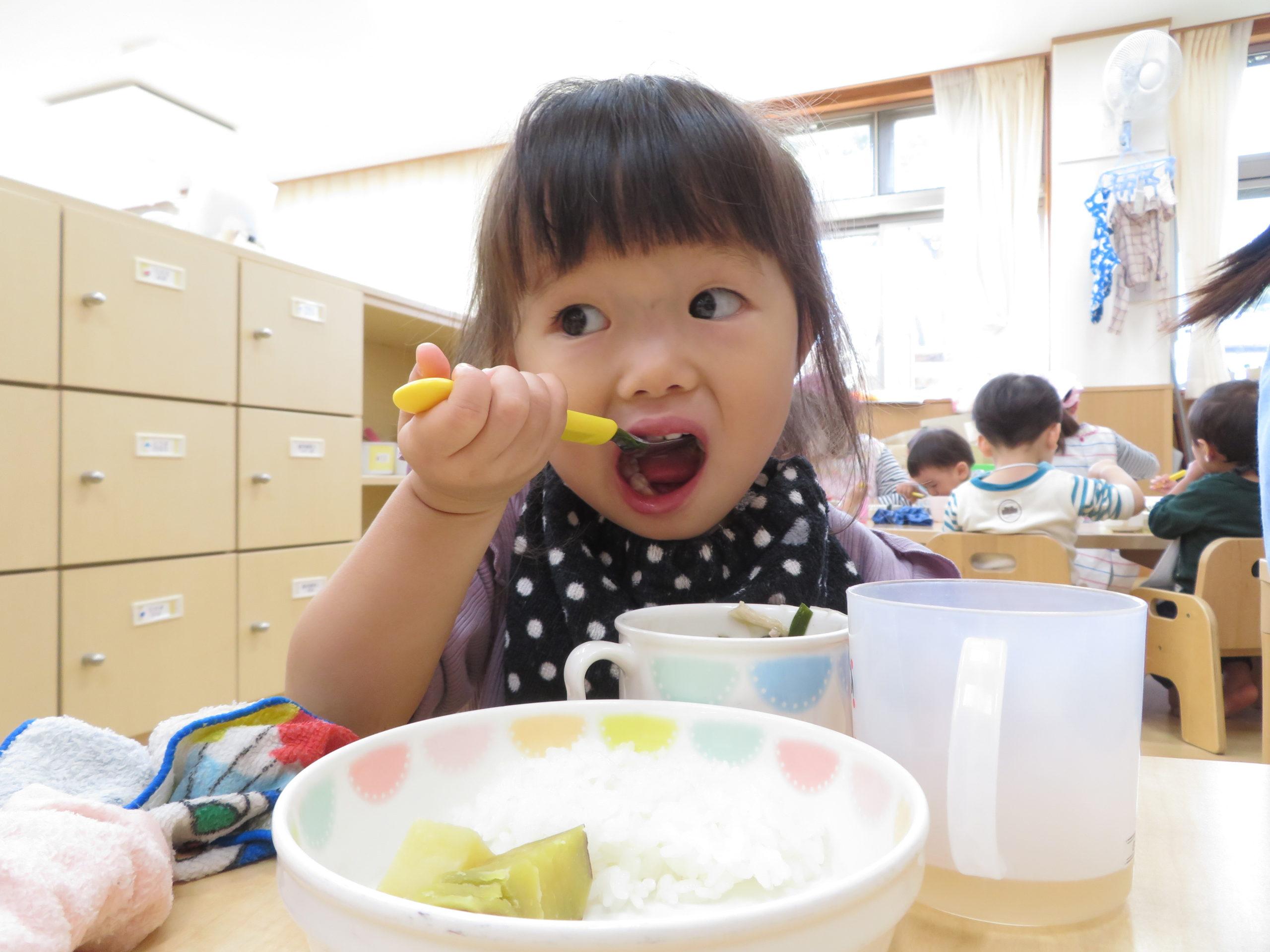 😊遊コスモス小新保育園 「1歳児 Lunch time🥄✨」