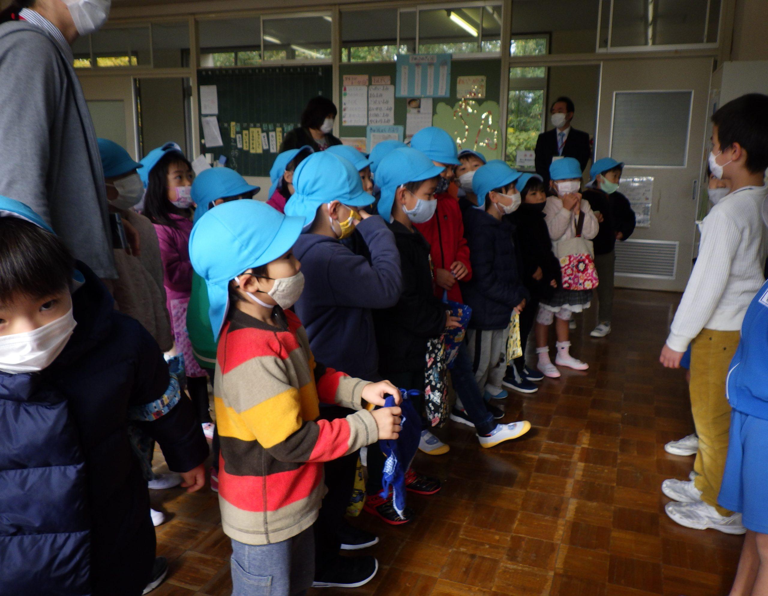 行谷小学校に学校見学に行っていたよ! 【そら組】5歳児