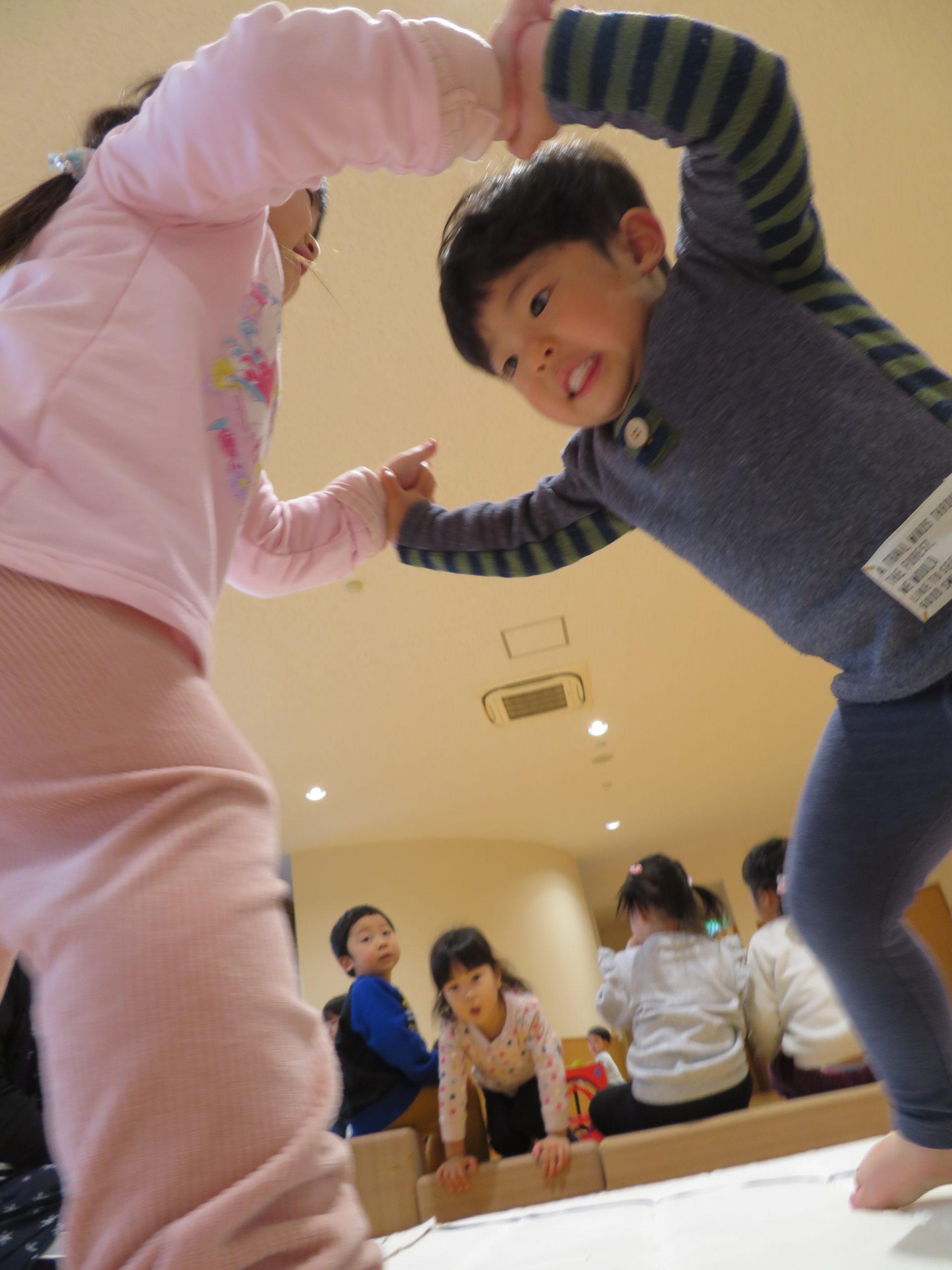😊遊コスモス小新保育園 「2歳児✋相撲✋」