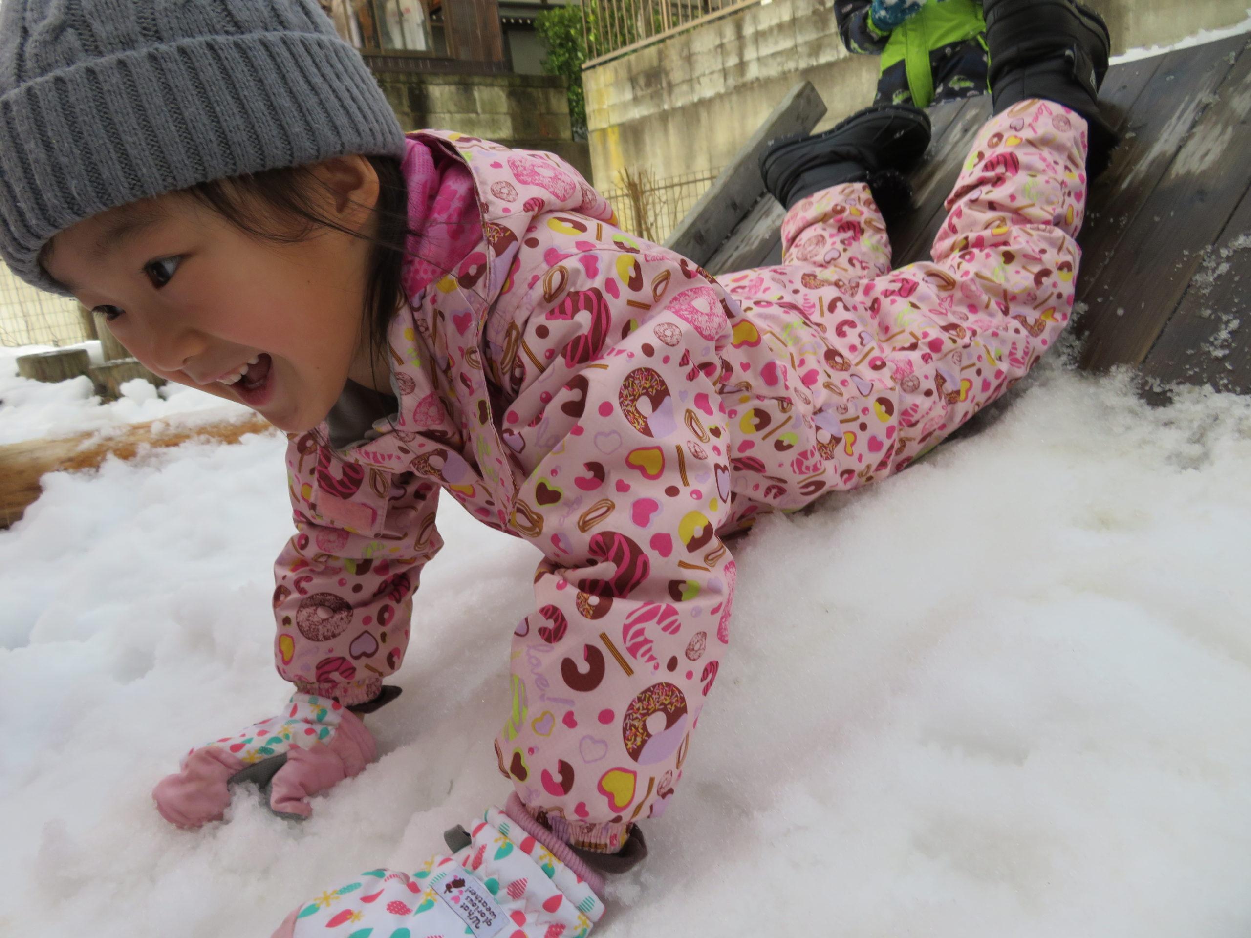 😊遊コスモス小新保育園 「⛄5歳児 Snow Play part❷❄」