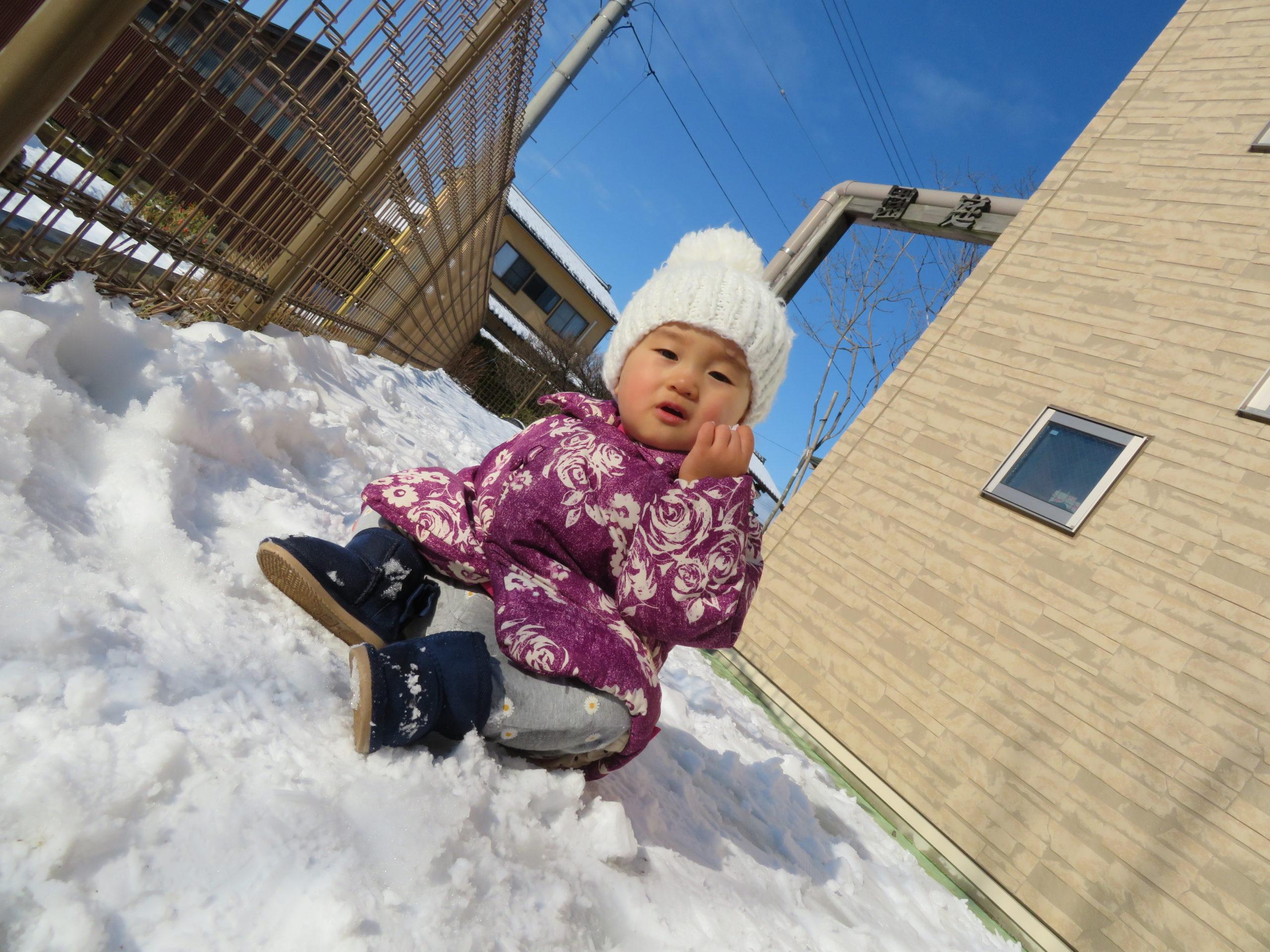 😊遊コスモス小新保育園 「⛄0歳児 Snow Play❄」