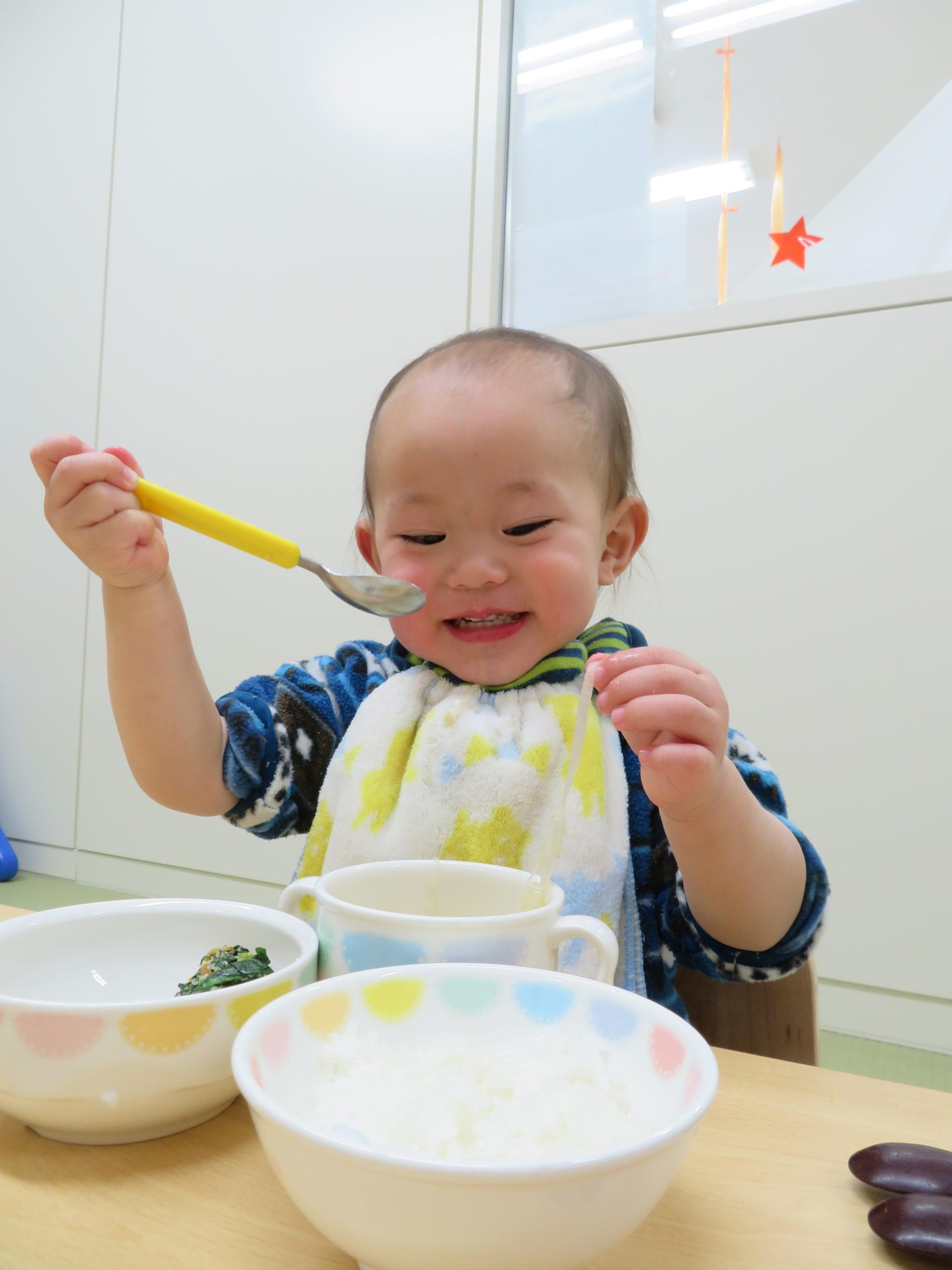 😊遊コスモス小新保育園 「0歳児 Lunch time🥄👶💤」
