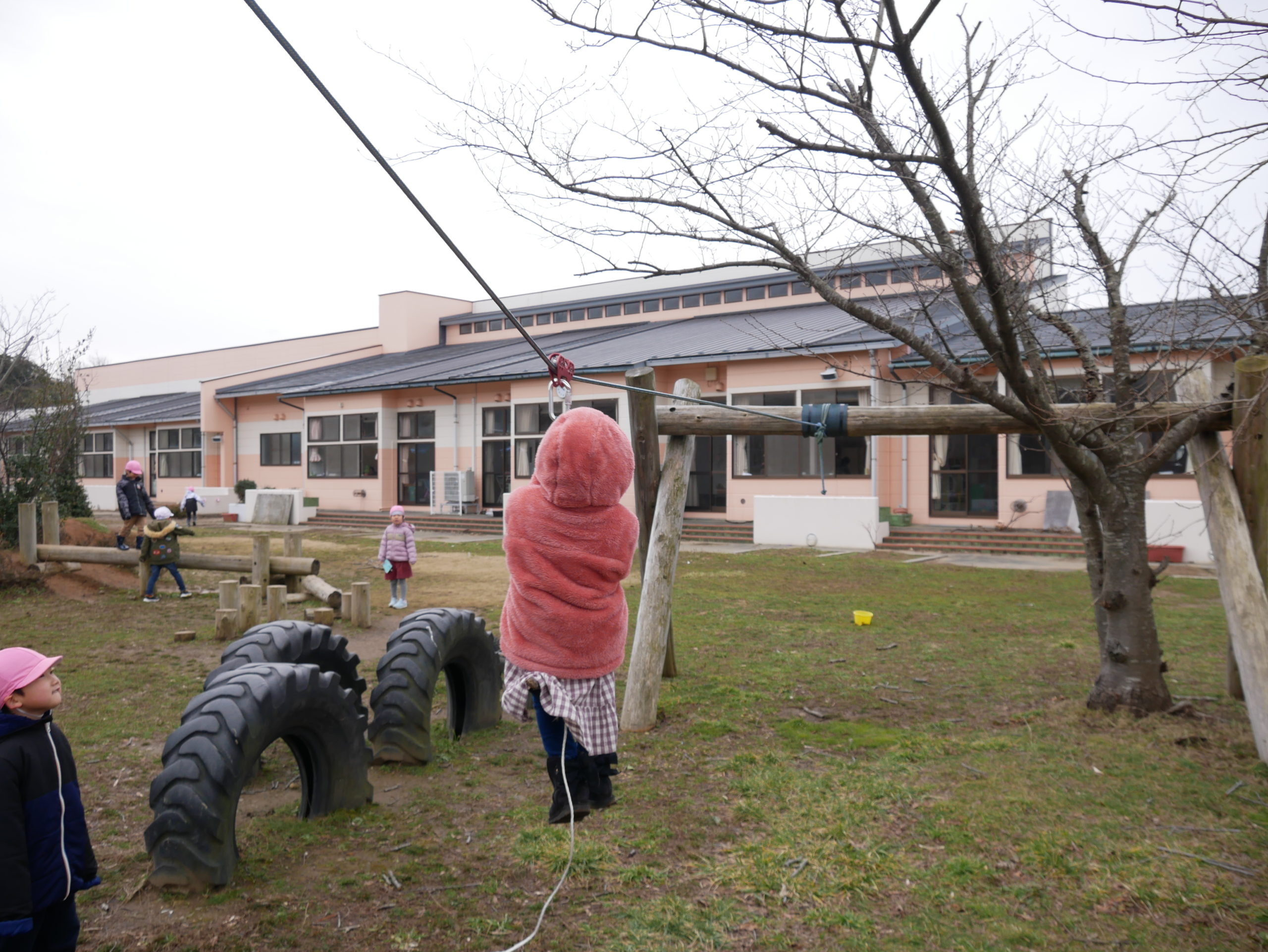 園庭で遊びました 5歳児ばら組【真野第1保育園】