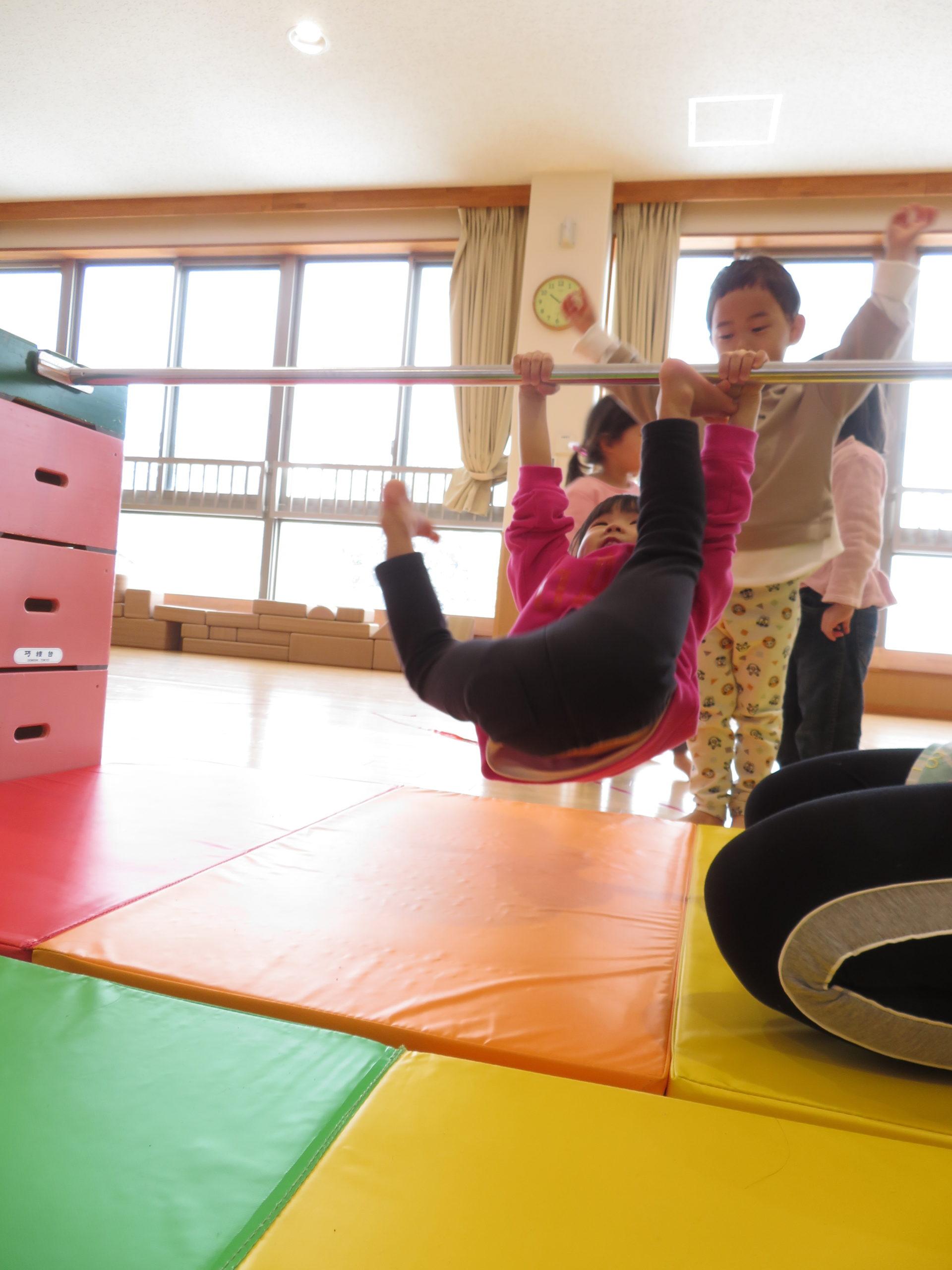 😊遊コスモス小新保育園 「2歳児 やってみよう🏅」