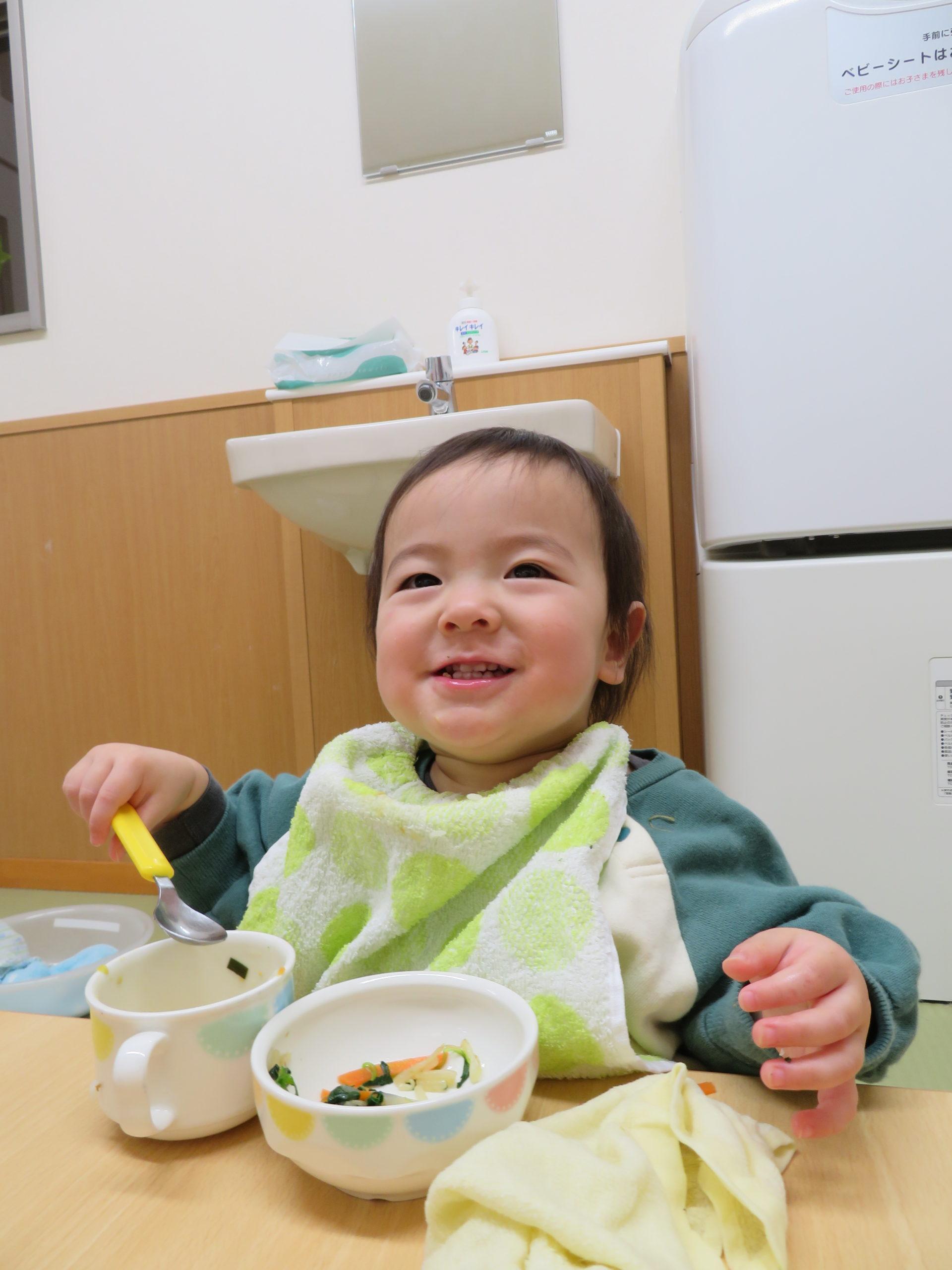 😊遊コスモス小新保育園 「🍴0歳児 Lunch time😋」