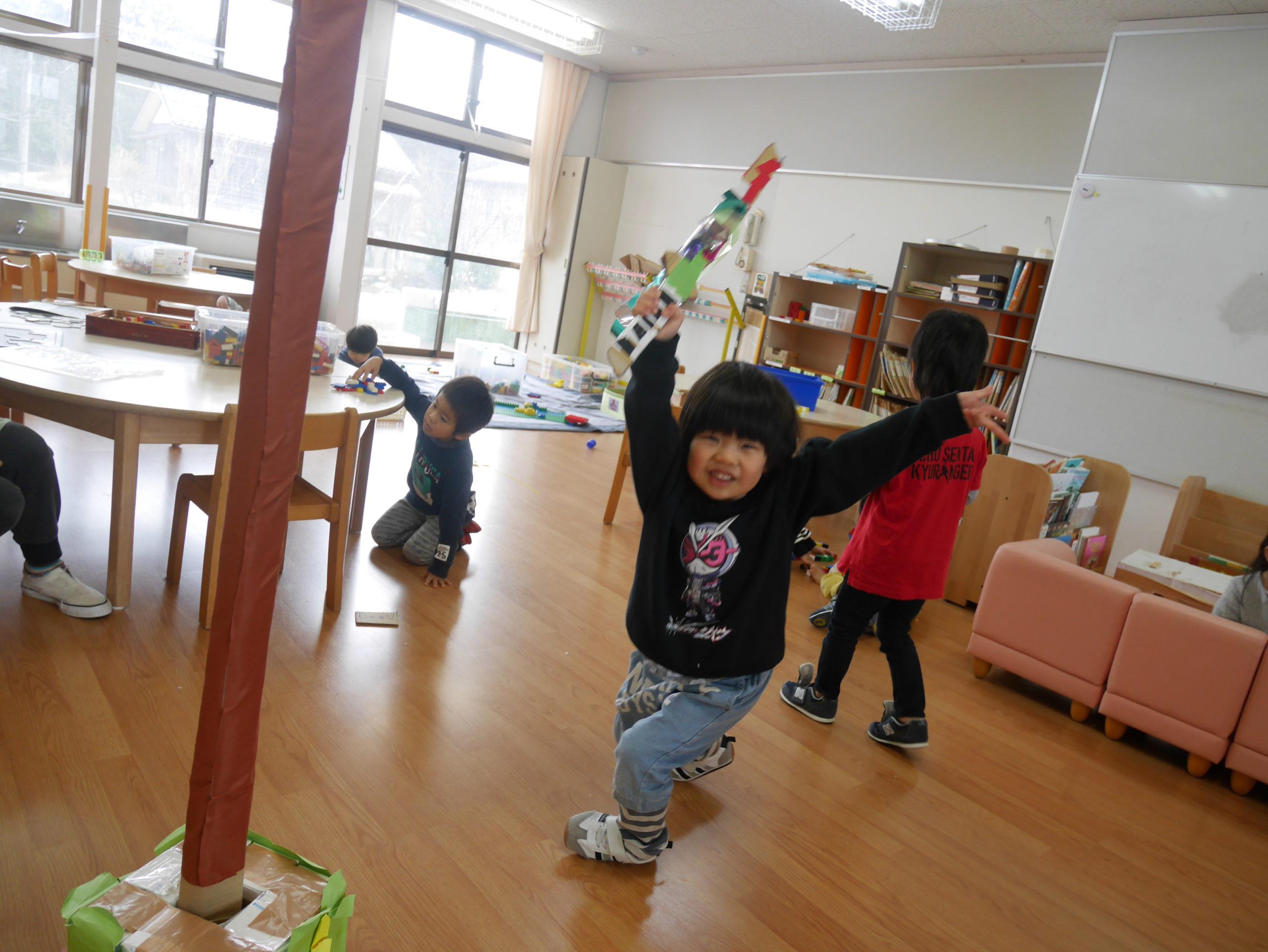 かっこいい剣でシャッキーン!!3歳児さくら組【真野第1保育園】
