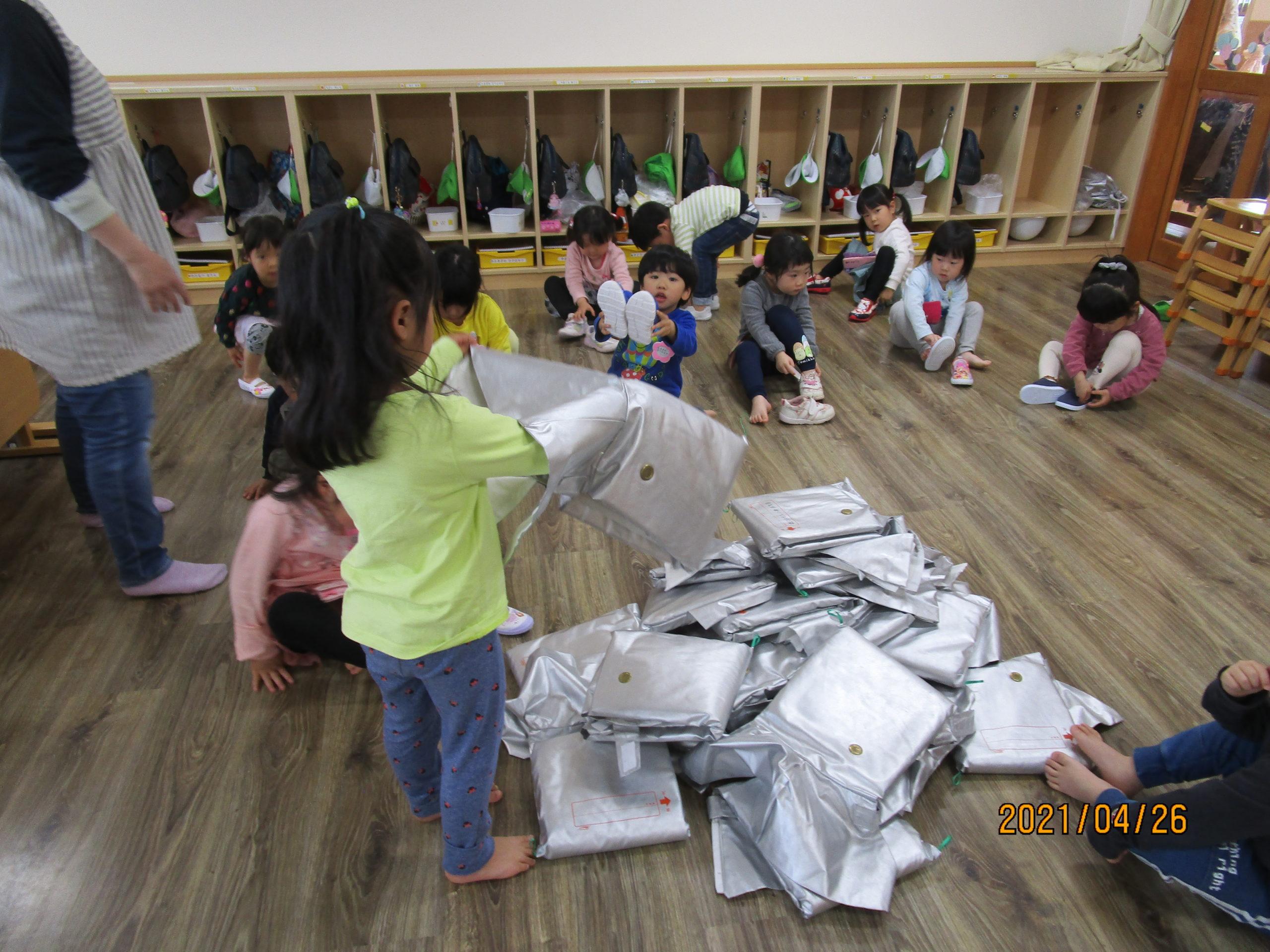 😊遊コスモス小新保育園「3歳児 早くできるかな?選手権」