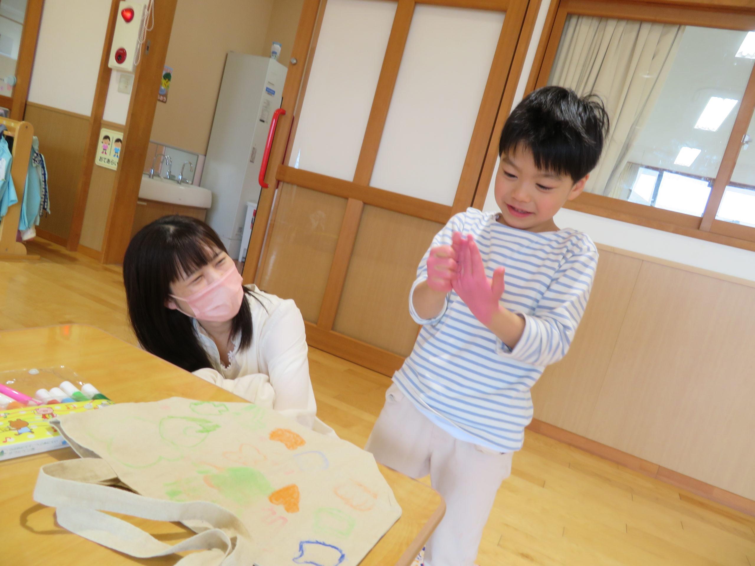 😊遊コスモス小新保育園「👜5歳児 Eco bag💗part❷」