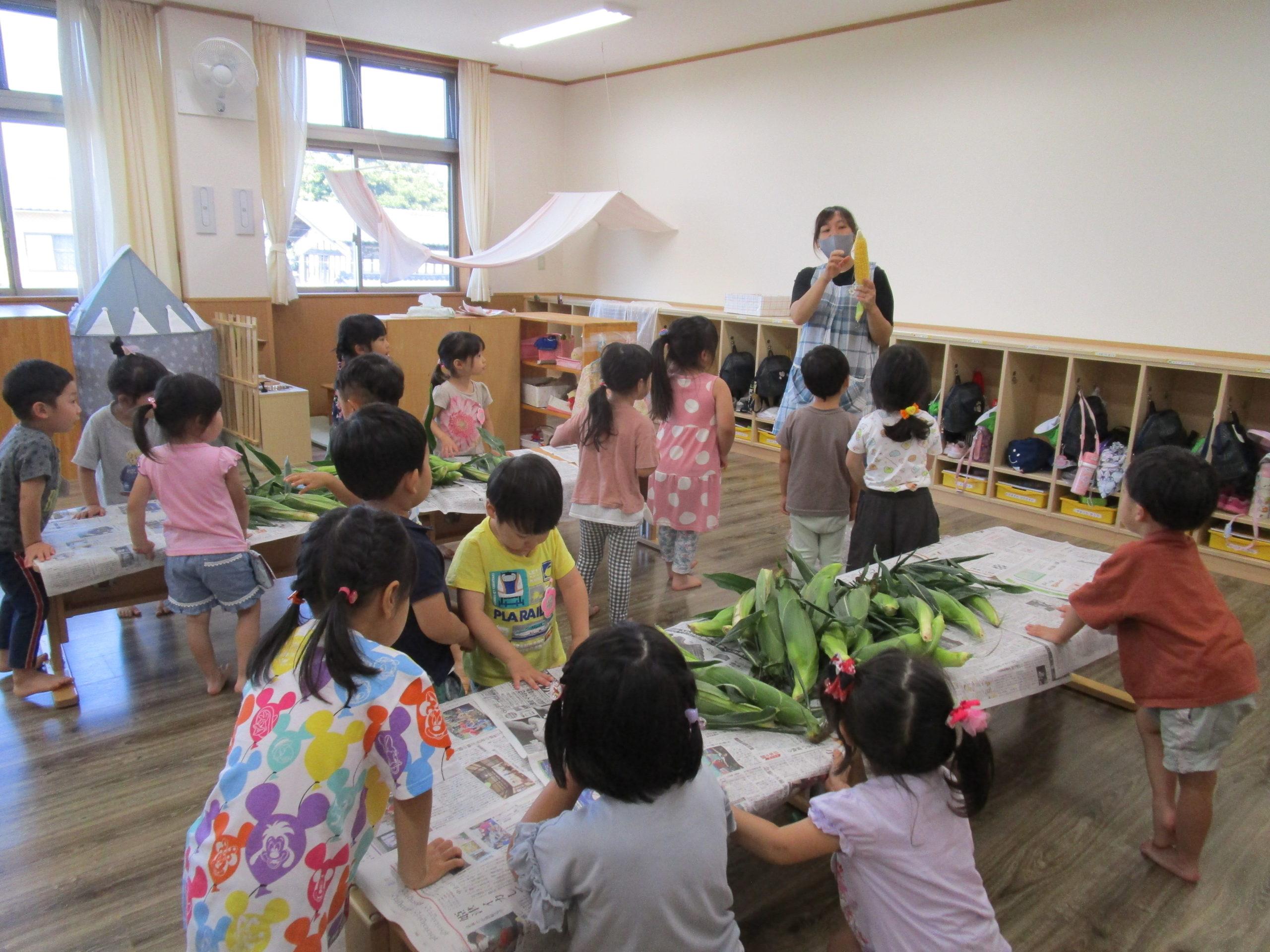 😊遊コスモス小新保育園 「3歳児 とうもろこし🌽」