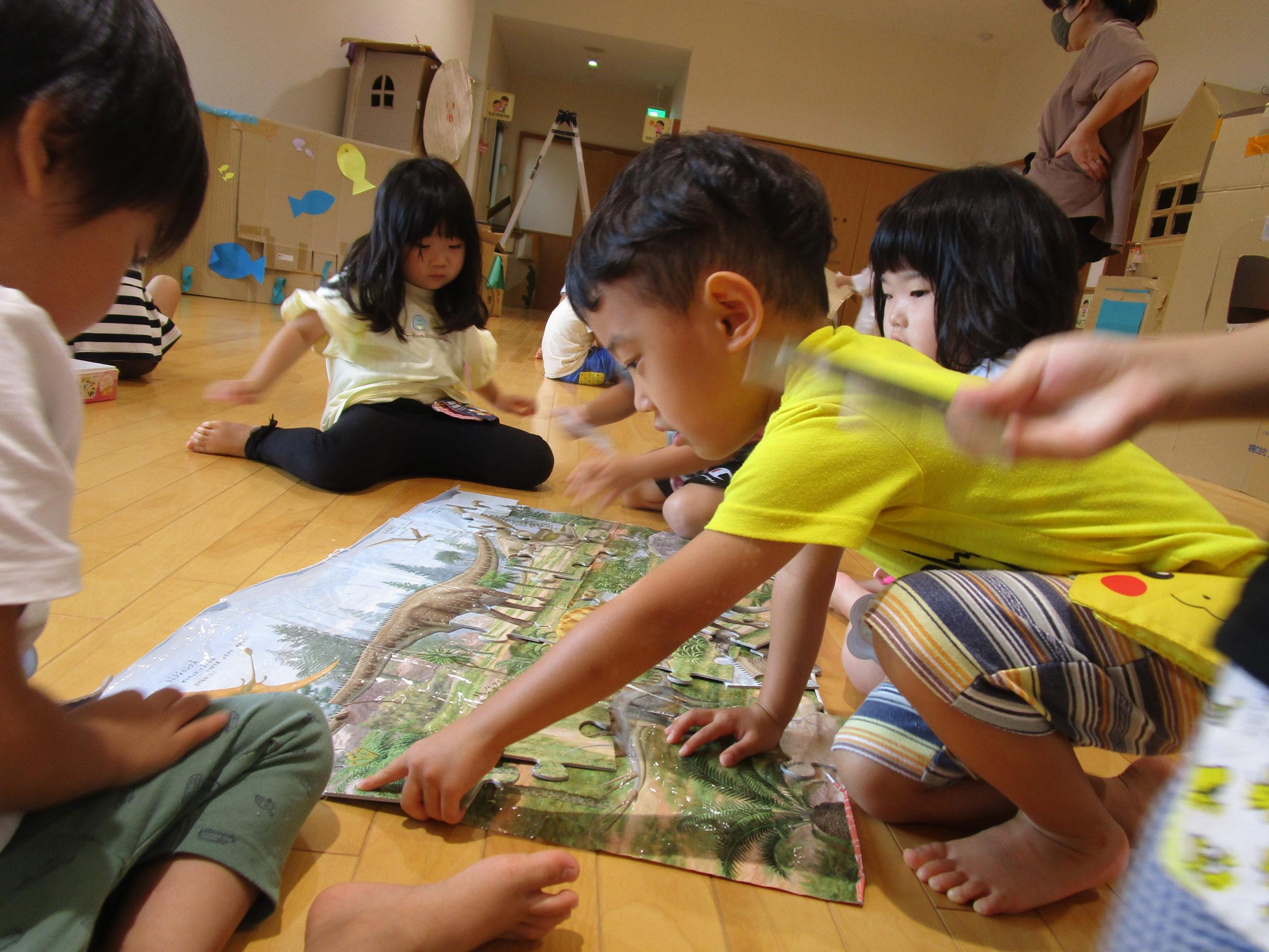 😊遊コスモス小新保育園 「3歳児 パズル🧩