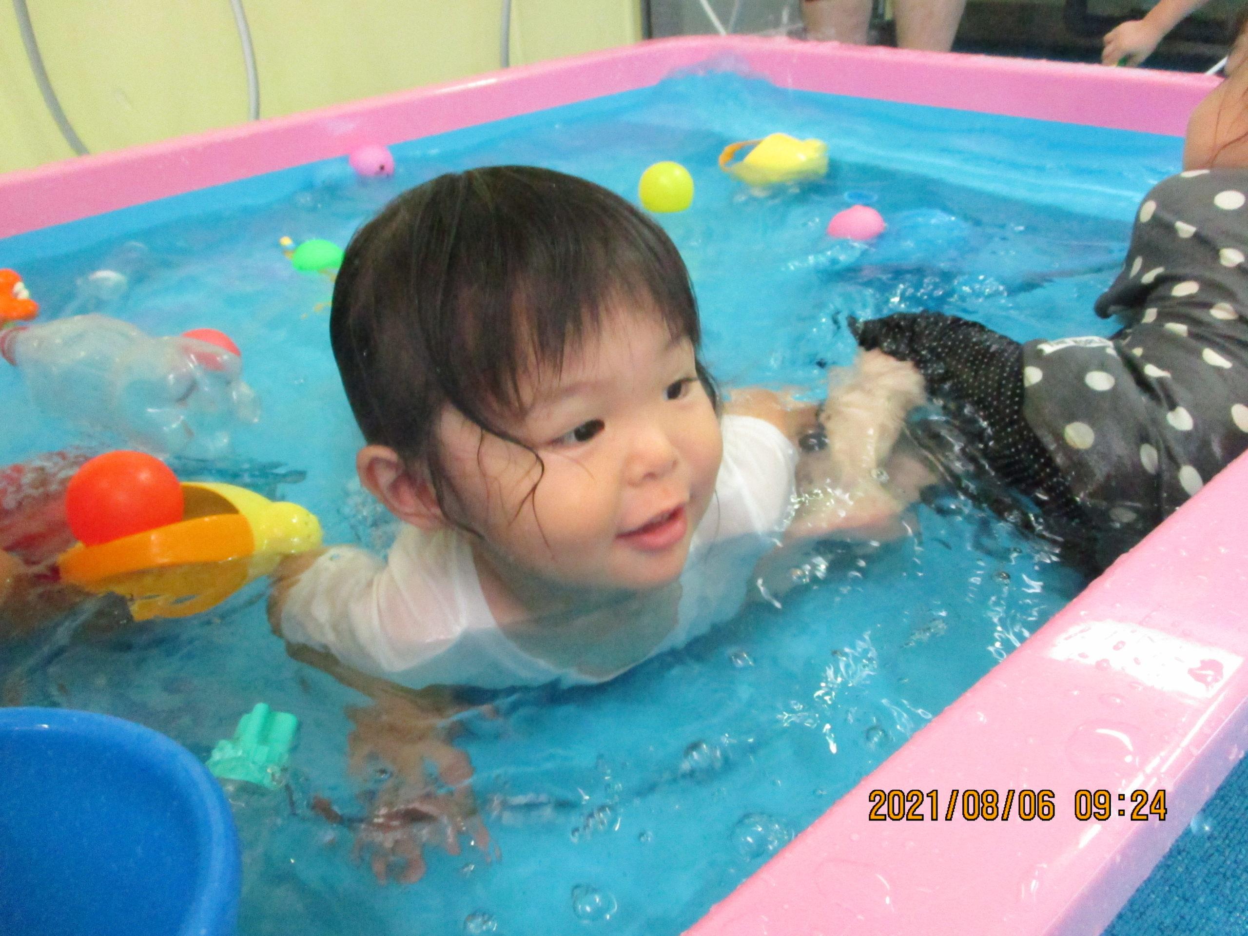 プールで水遊びをしました😄 わかば組 【白根そよ風保育園】